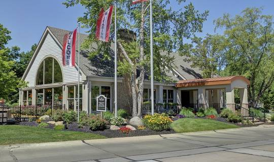 Crossings Village - apartments in Westlake, OH